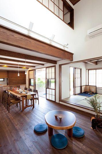 和室も含め、家族が集まるLDKは、なるべく広くとった。和室はあえて段差をつけて設け、小上がりに。