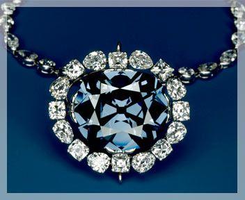 """The Blue Hope - Diamante blu da 45.52 carati, prende il nome (che significa """"speranza"""") dal suo proprietario, Henry Thomas Hope, ma in realtà è associato a eventi sfortunati."""