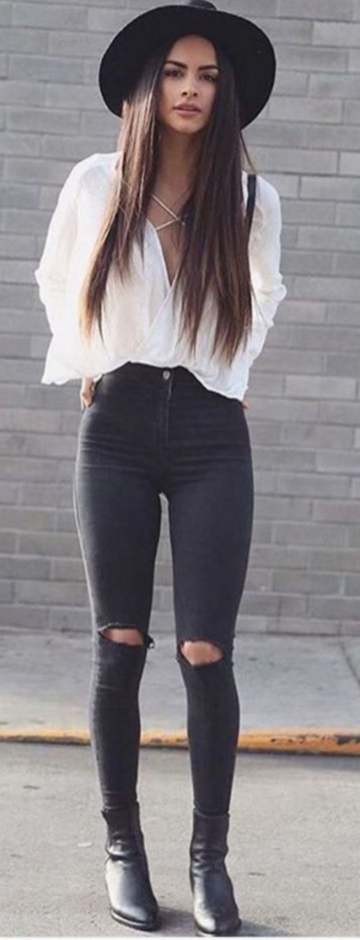Best Comfortable Women Fall Outfits Ideas As Trend 2017 27 https://montenr.com/75-best-comfortable-women-fall-outfits-ideas-as-trend-2017/best-comfortable-women-fall-outfits-ideas-as-trend-2017-27/