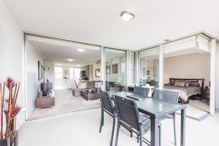 BRISBANE 3005/3 Parkland Boulevard... Everything will be at your doorstep as you are enviably located just moments to the picturesque Roma Street Parklands and just minutes to the CBD.