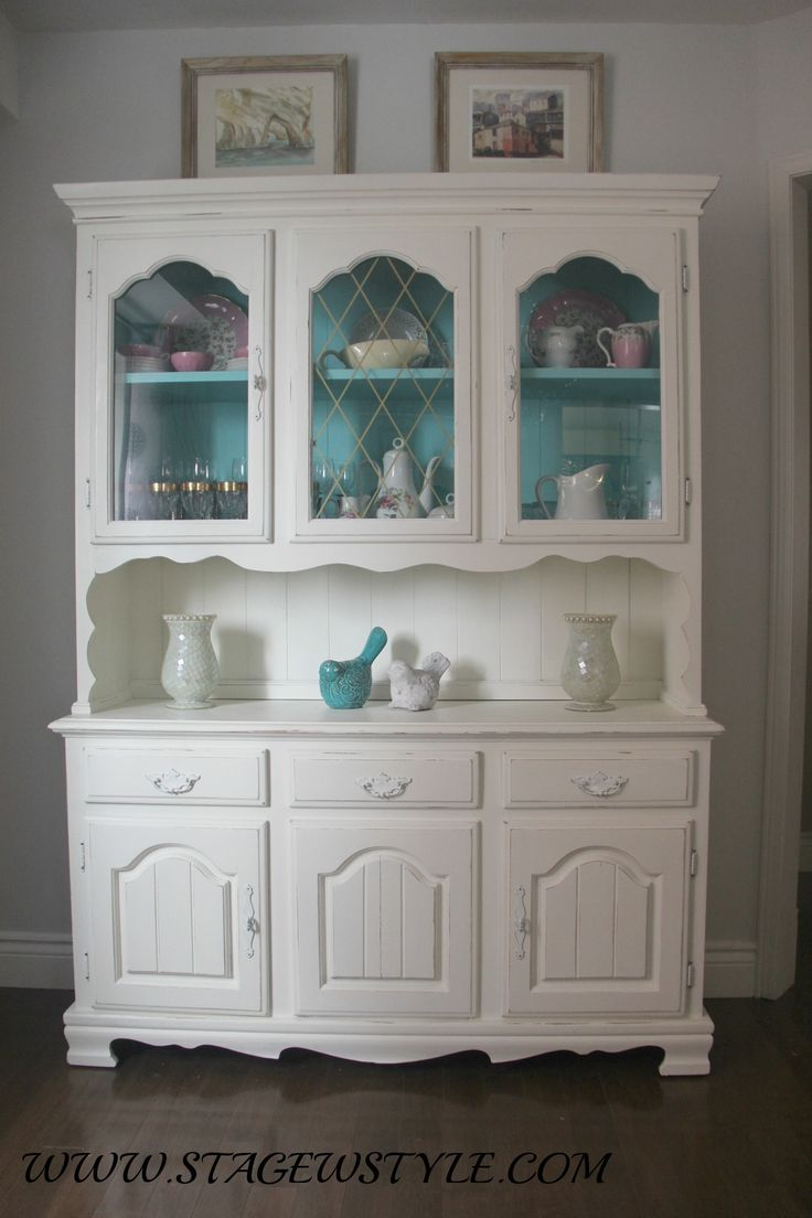 China cabinet and table makeover, using inexpensive home made chalk paint. Refresh an old dark piece of furniture and give it new life.