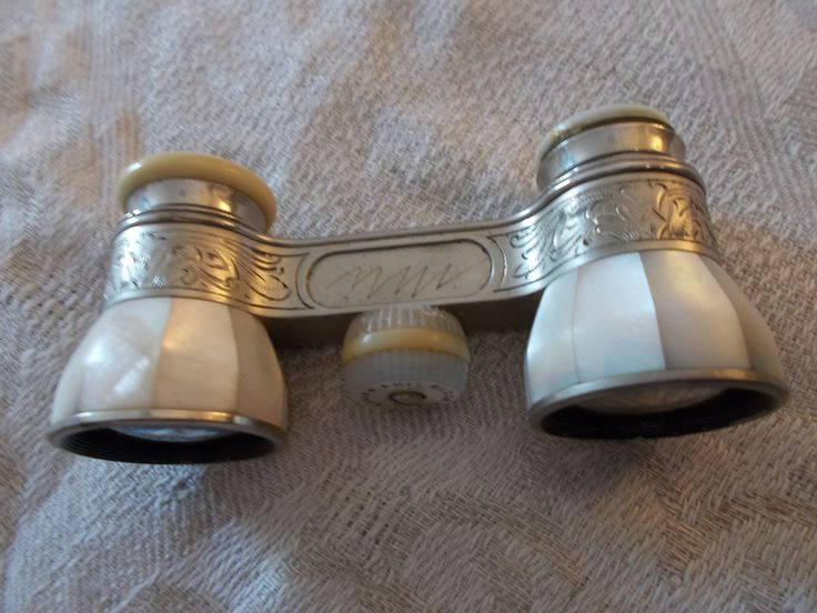 antique opera binoculars mother of pearl and silver from 1930's. $130  #opera #binoculars #vintage https://www.etsy.com/shop/mademeathens