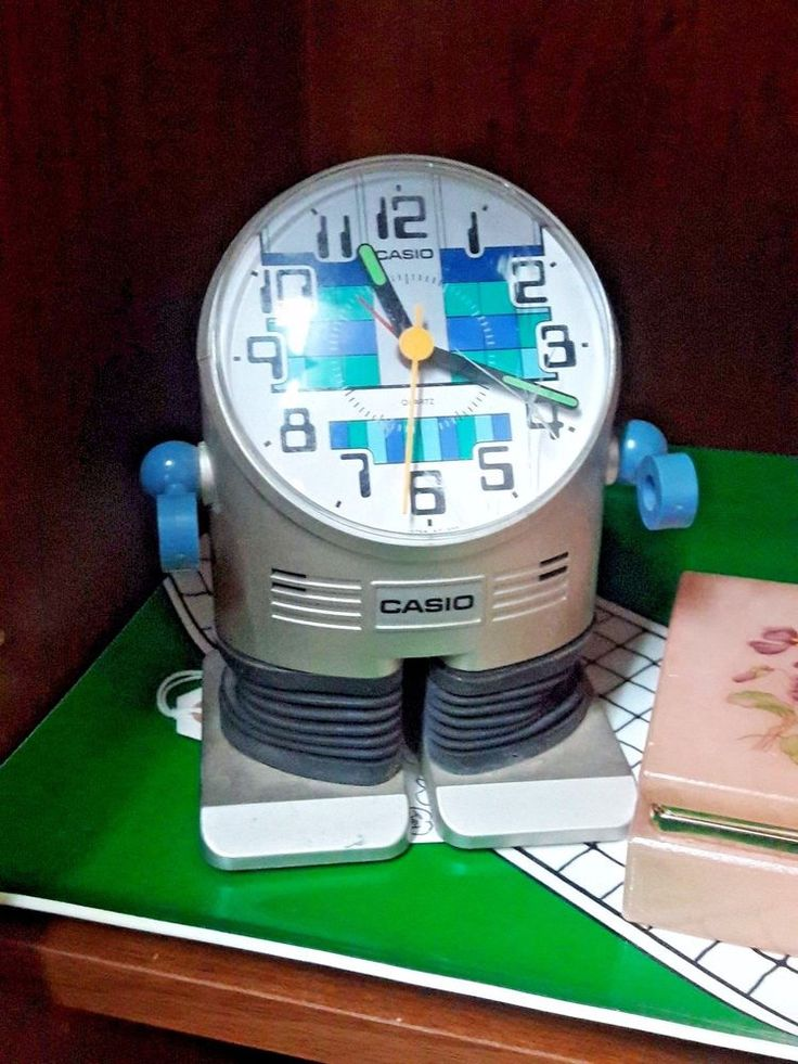 Vintage 1980s CASIO ROBOT Table Clock - Works Perfect!
