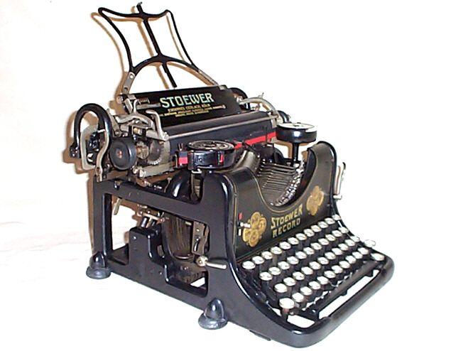 """Immer diese Ermahnungen: """"Übrigens meine liebe Thea Deine Schreibmaschine braucht mal etwas blaues Blut in die Bürste, ist schwer zu lesen."""" (Theodor von Harbou, 18.06.1907)"""