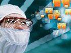 IBM va investir 3 milliards de dollars dans le développement des futurs processeurs. Le premier projet nommé « 7 nanomètres et au-delà » a pour mission de repousser les limites physiques afin de pouvoir graver des puces sur silicium à 7 nm. Le second projet d'IBM vise à travailler sur les alternatives aux transistors en silicium : les nanotubes de carbone, le graphène, la photonique, l'informatique quantique, les puces neurosynaptiques ou les transistors à effet de champ à grille isolée.