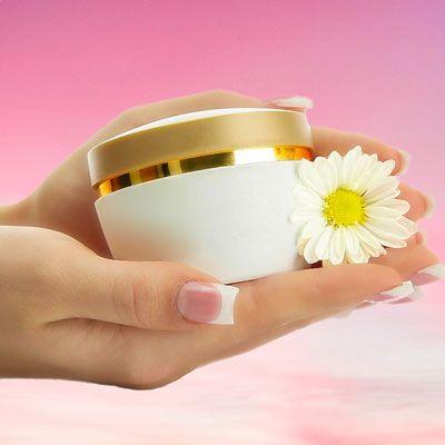 Gesichtscreme selber machen: So können Sie eine Gesichtscreme mit Ingwer selber machen, probieren Sie das folgende Rezept mit Anleitung ...