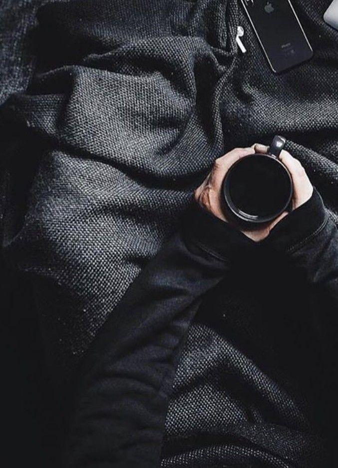 Pin auf All black everything.