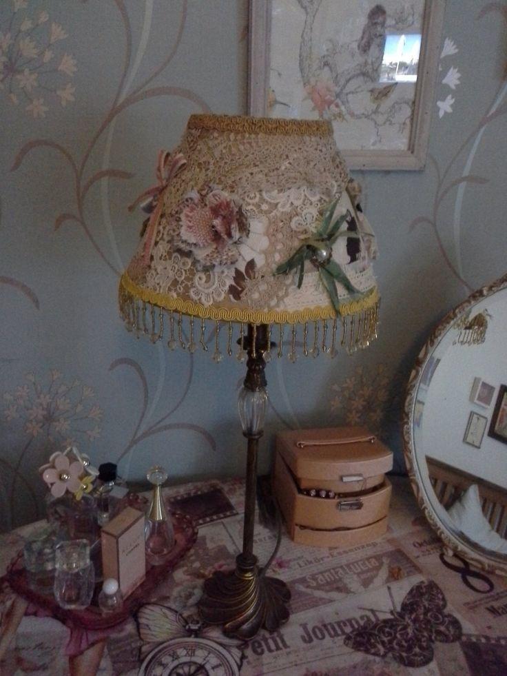 les 25 meilleures id es de la cat gorie abat jour en dentelle sur pinterest chalet romantique. Black Bedroom Furniture Sets. Home Design Ideas