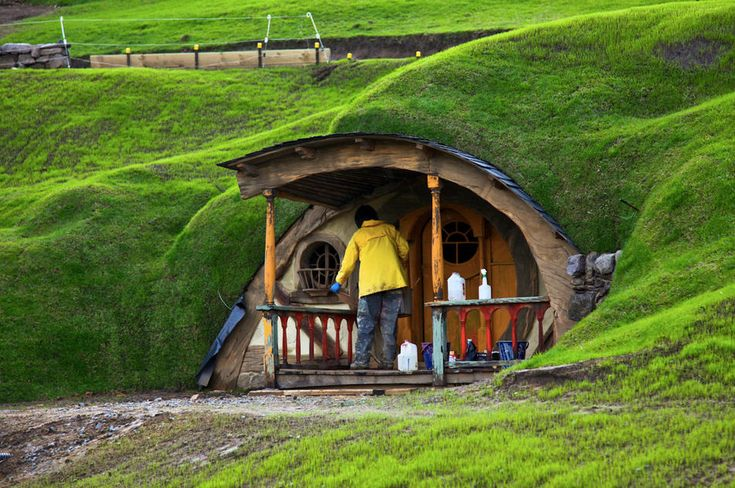 1000 images about magic and hobbit houses on pinterest for Hobbit house images