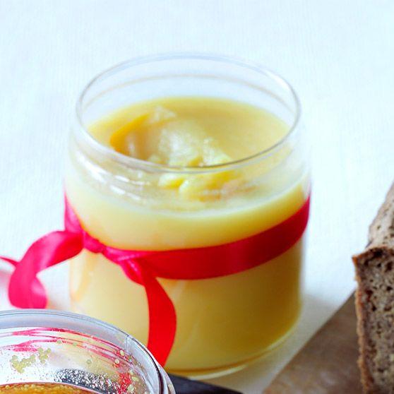 Här hittar du ett läckert recept på Apelsincurd. Botanisera bland massor med recept, tips och inspiration.