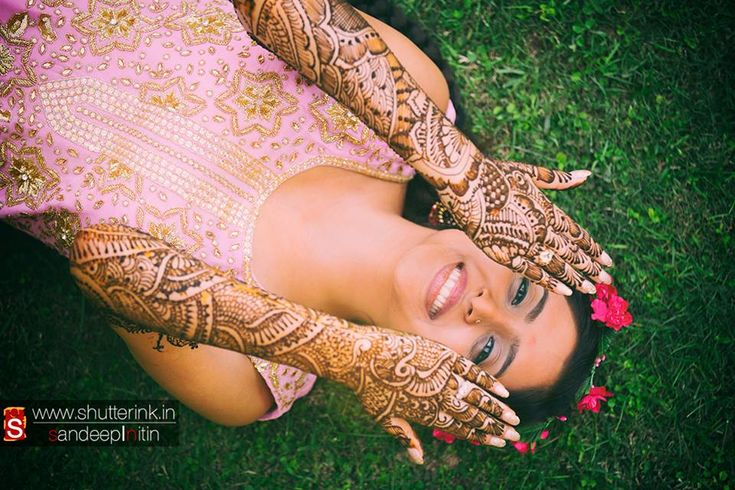 Indian Weddings cannot kick start without Mehndi Night. It is most colorful and fun event with lots of singing, dancing, and of course, mehndi! And if you are looking for artistic Mehandi designs for your wedding day then visit our Henna Lounge