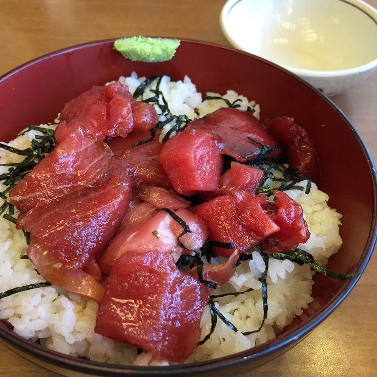 Excellent tuna in restaurant near Tamachi Station, Tokyo