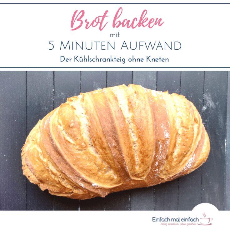 Wenn Du Brot backen möchtest, aber wenig Zeit für lange Wartezeiten hast, dann ist dieses Rezept genau richtig für Dich. Mit dem Kühlschrankteig geht es einfach und schnell, luftiges, aromatisches Brot mit wenig Hefe selber zu backen - und nur 5 Minuten Aufwand.