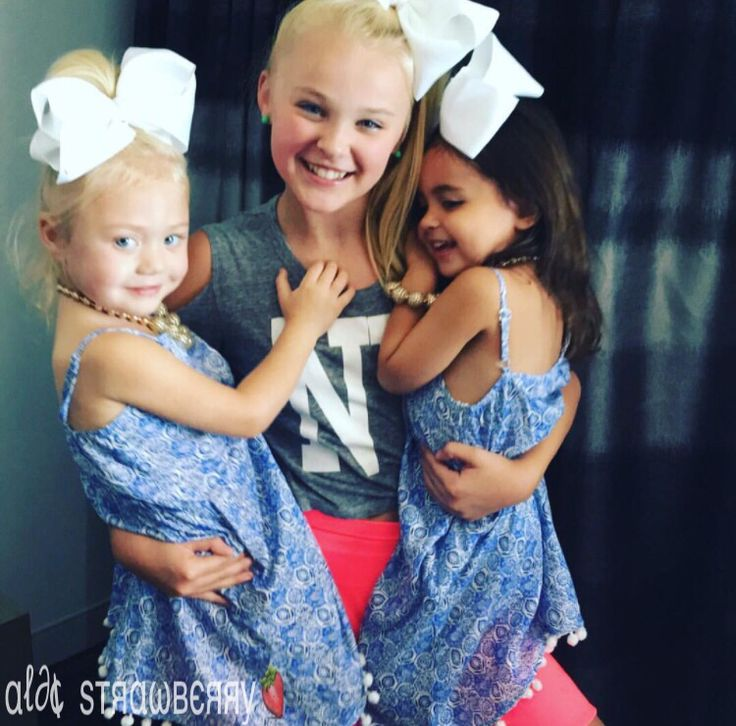 Jojo with Everleigh and Ava