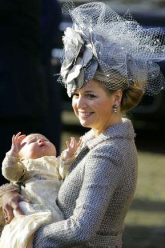 De hoeden van het Nederlandse koningshuis.   Alles over de meest bekende koningshuizen!