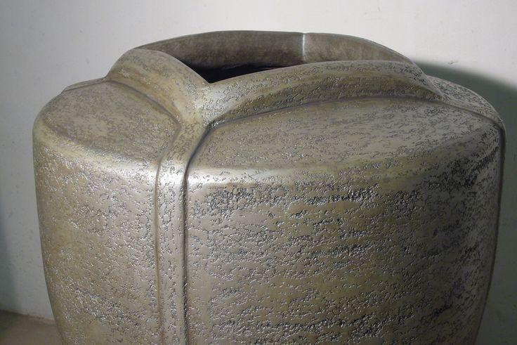 Vysoká váza MARUBI model olovo big plumbum Vase MARUBI