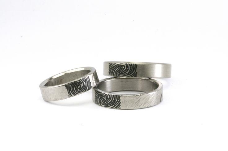 Alianza de boda personalizada con huellas dactilares