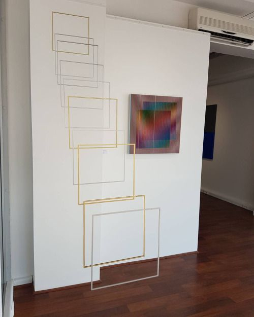 ELISA CRESPIN - The exhibition 'Hommage au carré' opens today at the Galerie Wagner in Le Touquet. The work ' Tetralineados Alu Brass' - 10 aligned square frames in aluminium and brass - is presented in awesome conversation with Carlos Cruz-Diez 'Induction...