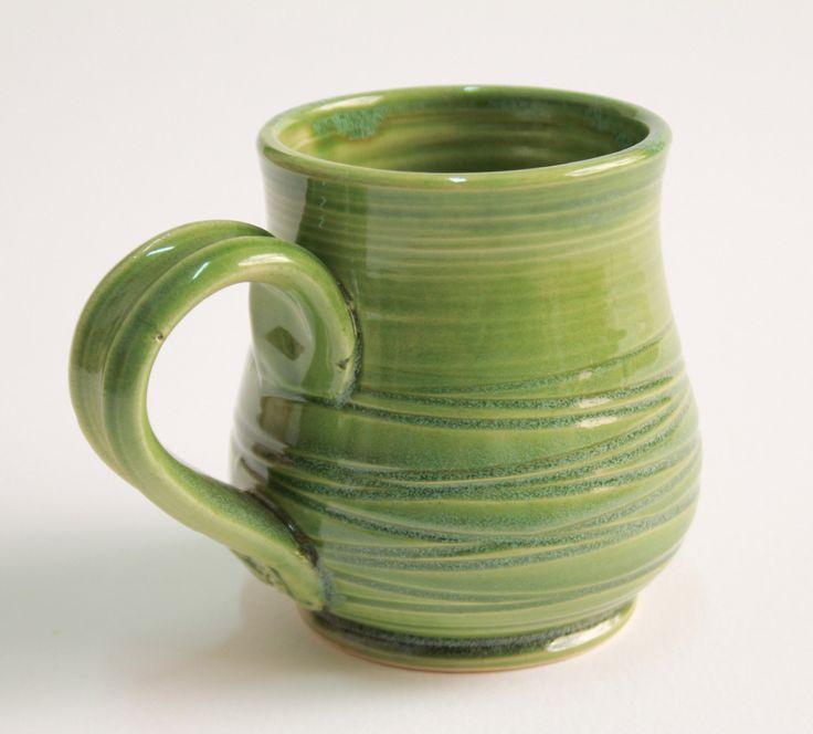 Boccale da birra verde, tazza da thè...in terraglia bianca lavorata al tornio e smaltata. di ClaylabCeramica su Etsy