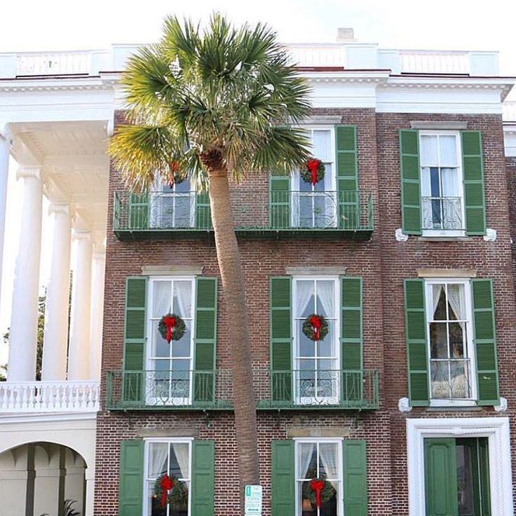 charleston home design%0A More Christmas in Charleston      emilyleyland