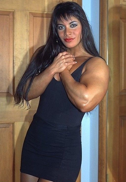 Evangelina Carrozzo Nude Photos