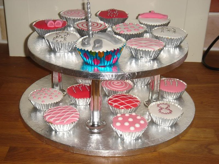 Shoe/Handbag cup cakes #food #recipe #cookbook