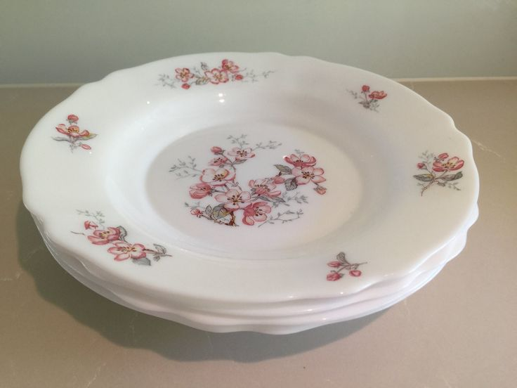 Vintage Arcopal 'Florentine' Soup/Dessert/Serving bowls