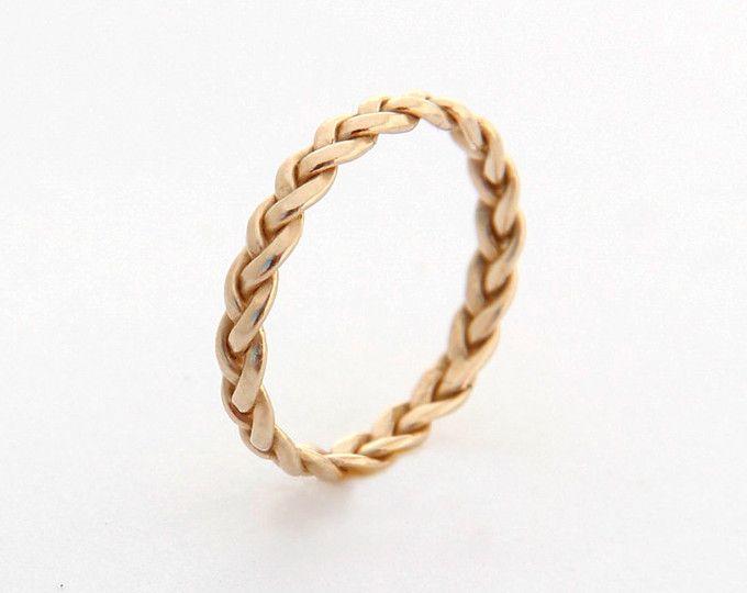 SPEDIZIONE EXPRESS GRATUITA per ordini oltre $300 * * * (Utilizzare il codice COUPON: FREESHIPPING)  Intrecciata a mano oro bianco anello oro Strand cinque, cinque fili doro anelli doro, anello intrecciato, anello semplice, gioielli doro, regalo per lei  Amo minimalisim e questo è un guardiano! Uno dei miei anelli semplici, ottimi per tutti i giorni. È il tuo vero gioielli di Etsy, intrecciati e intrecciato completamente a mano. Rende un anello grande matrimonio alternativo.  Vederlo in oro…