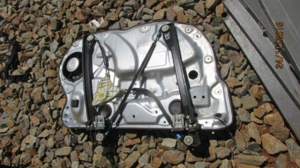 VW Polo Vivo right front window mechanism - Used