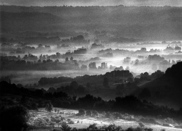 Les brumes, depuis Loubressac 1986 |¤ Robert Doisneau | 11 décembre 2015 | Atelier Robert Doisneau | Site officiel