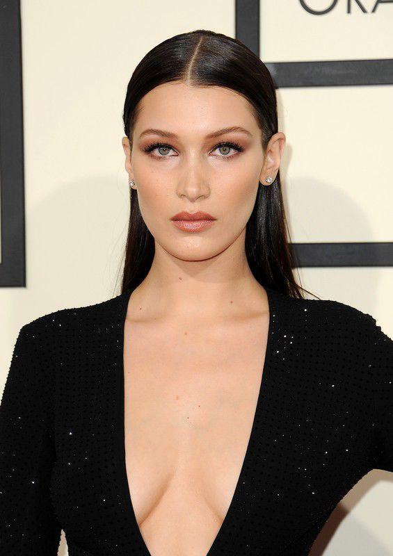 Grammy 2016: fryzury i makijaż gwiazd