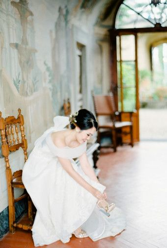 Wedding Shot List: Bride Moments to Remember | http://www.bridestory.com/blog/wedding-shot-list-bride-moments-to-remember