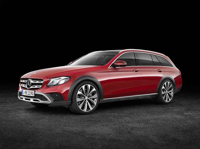 [Mercedes-Benz E 220d 4matic All-Terrain: Kraftstoffverbrauch kombiniert: 5,2 l/100km | CO₂ Emission: 139 g/km]
