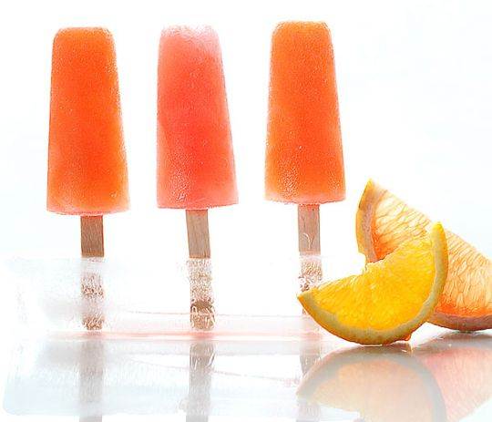 boozy campari citrus pops! i don't drink, but i think i'd love these anyway because i adore citrus. grapefruit pops need sugar, water, grapefruit juice, and campari; orange pops use orange and lemon juices instead of the grapefruit juice. yum.