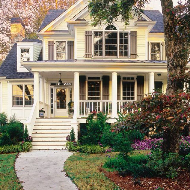 Classy curb appeal: Dreamhome, Picket Fence, Dream Homes, Beautiful Home, Yellow House, Dream Houses, House Exterior, Dreamhouse