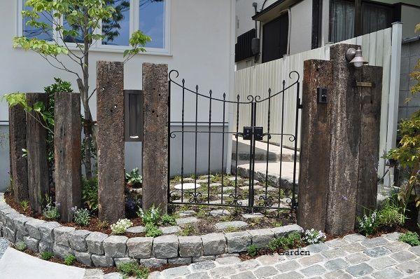 ユーカリ古材の枕木門柱(兵庫県西宮市)1