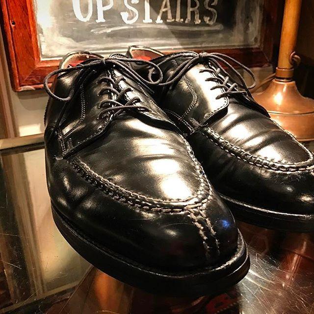 2017/05/04 00:26:13 whistler_chart ・ ・ Recommend new stuff ・ ''Alden'' ・ Made in U.S.A. Color:Black/''Cordovan V-tip Blucher Oxford ・ #whistler #chart #tokyo #koenji #used #usedclothing #antique #fashion #shoes #vintage #vintagefashion #vintagestyle #vintageshoes #leather #leathershoes #w_c_a #ウィスラー #チャート #東京 #高円寺 #古着屋 #古着 #靴 #recommended #newstuff #alden #cordovan #vtip #オールデン #madeinusa
