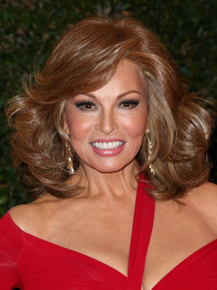 Raquel Welch Photos - Arrivals at the Governors Awards in Hollywood - Zimbio