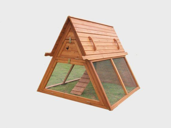 This A frame style hen house is as popular as the style used to be for Mountain homes.. #chickens #architecture