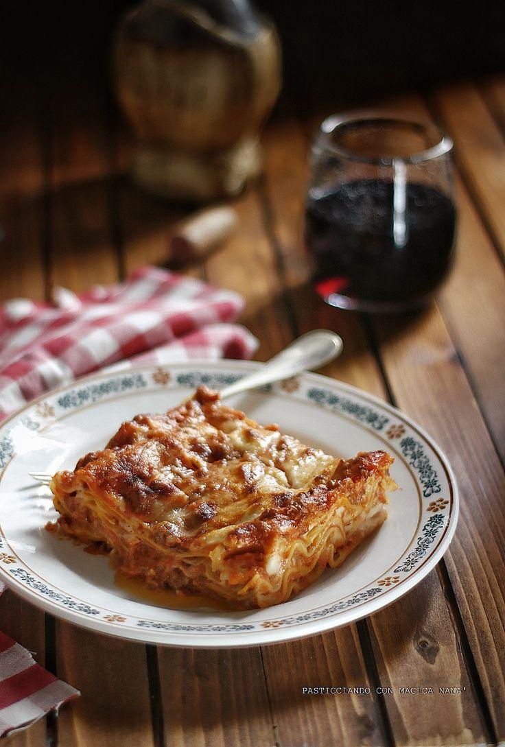 Da lunedì a dieta ...    LASAGNE ALLA BOLOGNESE Ricetta -> http://blog.giallozafferano.it/sognandoincucina/lasagne-alla-bolognese/