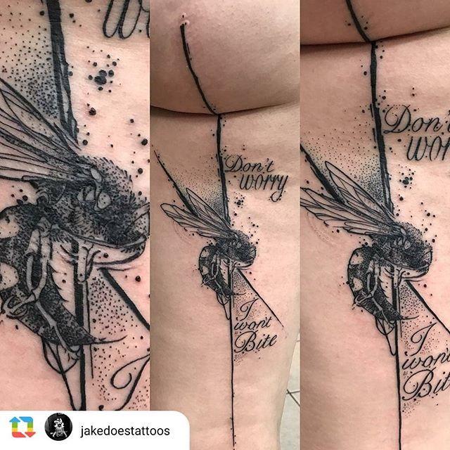 If I Be Waspish Best Beware My Sting Tattoo By Artist Jakedoestattoos Royalfleshtattoo Chicagotattoo Chica Chicago Tattoo Shops Tattoos Blackwork Tattoo