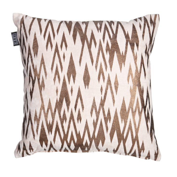 Sierkussen KAAT Golden Print Soft Pink - NIEUWE COLLECTIE | Cushion KAAT | http://www.livengo.nl/beddengoed/sierkussens | #kussen #goud #print #slaapkamer #livengo