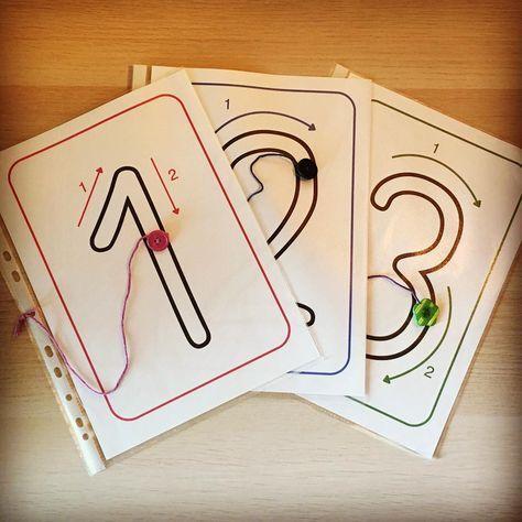 """Gefällt 95 Mal, 13 Kommentare - @grundschule_ahoi auf Instagram: """"Mathe mit allen Sinnen, hier mit dem Tastsinn: Zahlen (mit dem Finger auf dem Knopf) nachspuren.…"""""""