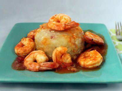 Mofongo de yuca con mojo de camarones - Que Rica Vida