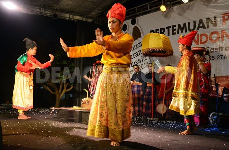 Members of the Bissu community gave a Bugis cultural dance performance in Makassar, South Sulawesi.