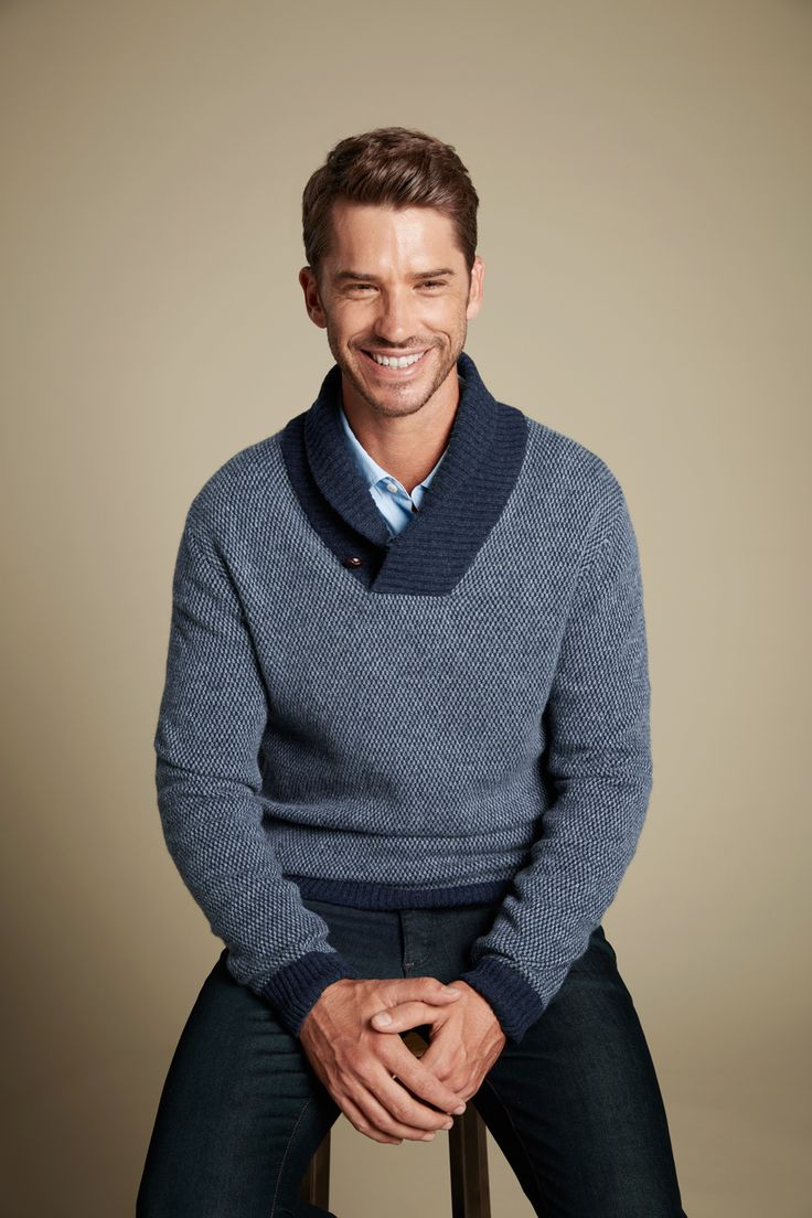 A staple in the Gaz Man range is our soft wool blend shawl neck knit. We love a good shawl mainly because they look so good on nearly every man. Great winter weekend dressing is easy with a piece like this in your wardrobe.