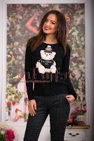 Pulover negru din tricot cu aplicatie plusata