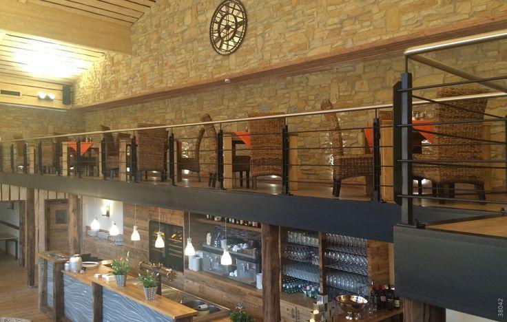 Restaurant Wand Stein mit Rustica Cobriza