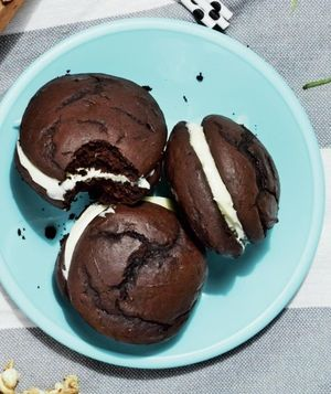 Whoopie Pies With Whipped Cream Cheese Frosting Recipe | Real Simple Recipes