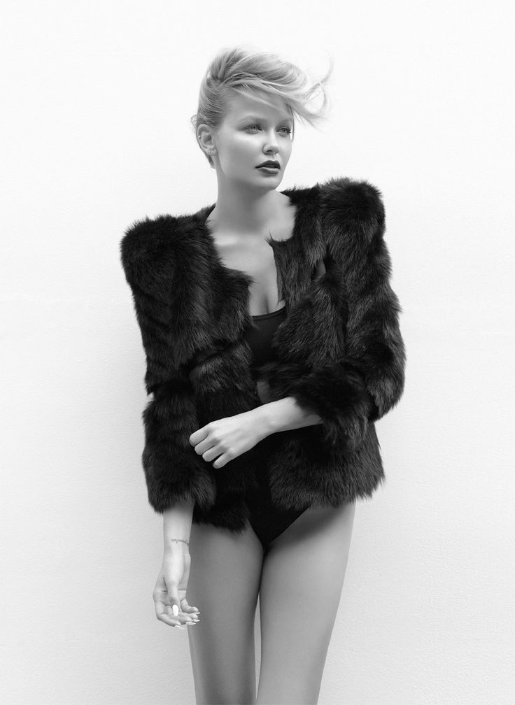 From the Archives: Lara Bingle, Oyster 91 Cover Girl